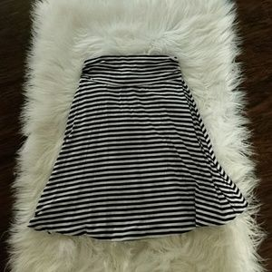 Merona black white striped skirt Xs